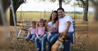 Parece la foto de una familia común pero esconde algo realmente extraño