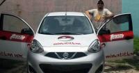 El taxista que te ayuda a perseguir pokemones en las calles por solo 7 dólares la hora
