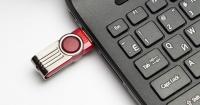 """¿Qué pasa si sacamos el USB de la computadora sin la """"extracción segura""""?"""