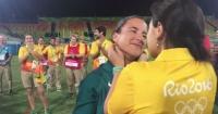 Amor en los Juegos Olímpicos: la voluntaria que le pidió matrimonio a una jugadora