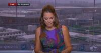 Periodista llora en vivo al momento de anunciar la muerte de un compañero de trabajo