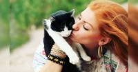 Besar a tu gato podría ser mortal por esta inquietante razón