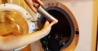 El increíble efecto que tiene echar pimienta cuando pones tu ropa en la lavadora