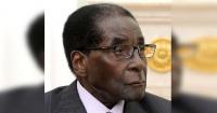 """Presidente de Zimbabwe inauguró estatua de su imagen y parece un """"Simpson"""""""