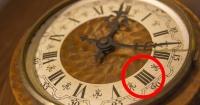 """¿Por qué algunos relojes marcan el número 4 como """"IIII"""" y no como """"IV""""?"""