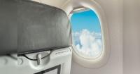 ¿Por qué las ventanas de los aviones no están alineadas con los asientos? La respuesta te sorprenderá