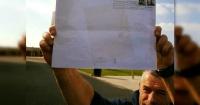 Cartero siguió un mapa dibujado en una misteriosa carta sin dirección y cuando la entregó descubrió esto