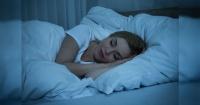Este sencillo truco antes de dormir te hará quemar calorías durante la noche
