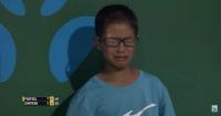 La noble acción de tenista al ver llorar a pelotero que recibió fuerte golpe en pleno partido