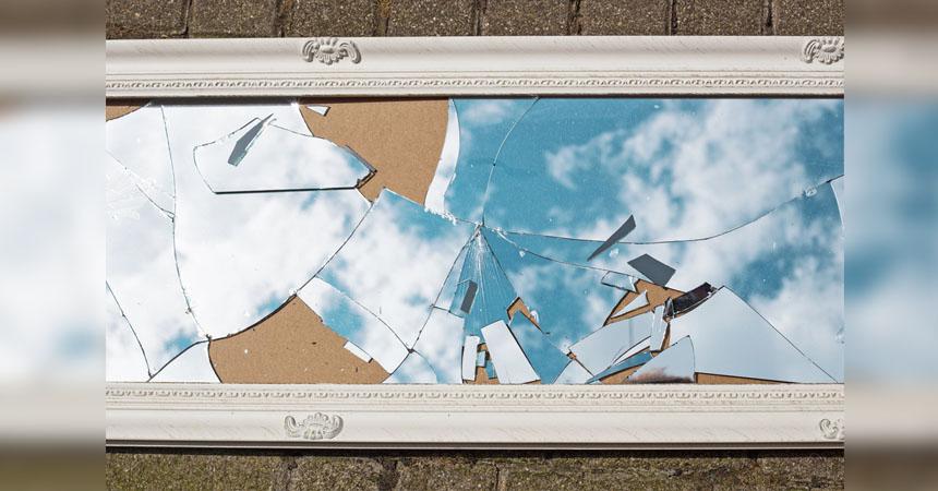 Resultado de imagen para espejos rotos