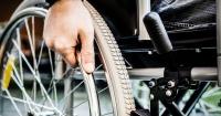 Pasó 43 años en silla de ruedas y un remedio para el asma lo hizo caminar de nuevo