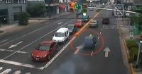 Se pasó un control de tránsito y cometió una locura que pudo haber terminado en desgracia