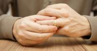 Perdió su anillo de bodas mientras plantaba zanahorias y lo recuperó de una forma que nadie creería