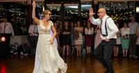 Esta novia y su padre dejaron con la boca abierta a los invitados a la boda con su baile
