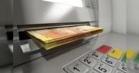 El truco que algunos están usando para que los cajeros expulsen todo su dinero