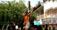 ¿Agua bendita? Estatua de Jesús impacta por derramar extraño líquido
