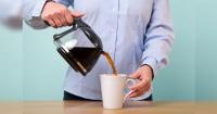 No deberías lavar la taza en la que tomas café todos los días por esta higiénica razón