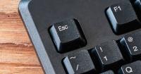 """La tecla """"escape"""" está desapareciendo de los teclados y tú no lo sabías"""
