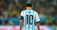 En solo 4 minutos sabrás por qué Messi es un astro con el Barcelona y un fracaso con Argentina