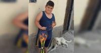 """Vendió su regalo del """"Día del Niño"""" para salvar a su perro"""