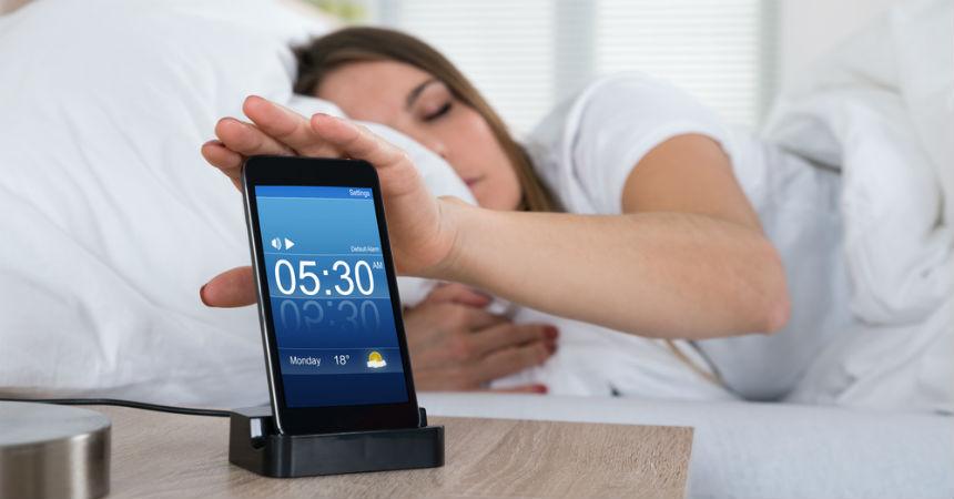 Resultado de imagen para despertador en el celular