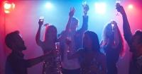Si bebiste alcohol en exceso en tu juventud, tus futuros hijos pagarán las consecuencias