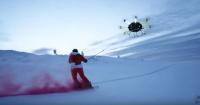 ¡Yo también quiero! Drone gigante eleva por los aires a esquiador