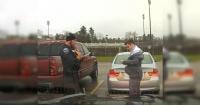 Policía detuvo a estudiante que iba a alta velocidad y su inesperada acción te sorprenderá