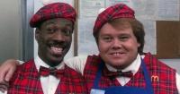 """Así luce hoy Maurice, el vendedor de hamburguesas de """"Un Príncipe en Nueva York"""" a 28 años del estreno"""