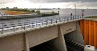 El sorprendente puente submarino en Holanda que parece una ilusión óptica
