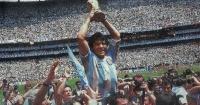 """""""Es lo más lindo que te puede pasar como jugador"""": Maradona volvió a levantar la Copa del Mundo"""