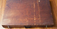 """La historia de la misteriosa caja con documentos sobre """"vida extraterrestre"""" y """"ángeles de la Biblia"""""""