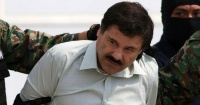 """El miedo en sus ojos: la primera imagen de """"El Chapo"""" siendo extraditado a los Estados Unidos"""