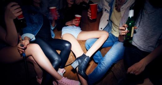 """""""El muelle"""": así es el peligroso juego sexual que se populariza entre los adolescentes"""