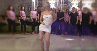 """Conquistó a las redes como la """"jefa más sexy del mundo"""" por este sensual baile, pero pocos conocían el secreto detrás del viral"""
