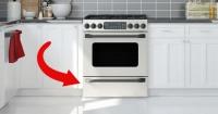 Esta es la verdadera e inesperada utilidad que tiene el cajón inferior de tu cocina