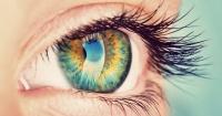 ¿Sientes un temblor en tu ojo? La razón podría ser algo que tomas a diario
