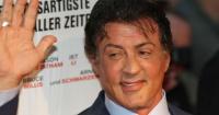 Bellas hijas de Sylvester Stallone se robaron las miradas en la alfombra roja de los Globos de Oro