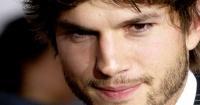 """Ashton Kutcher fue citado al Senado de EE.UU. y terminó """"besando"""" a un político"""