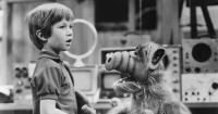 """El radical cambio de """"Brian Tanner"""" de Alf a 27 años del término de la serie"""