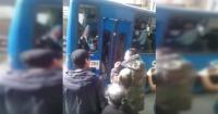 Intentó robar en el transporte público y el chofer se encargó de cobrar venganza