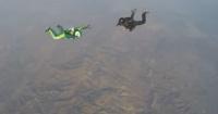 Hombre saltó sin paracaídas desde un avión a 7 kilómetros de altura y así terminó