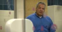La asquerosa venganza este auxiliar contra las chicas de la escuela que manchaban los baños con labial