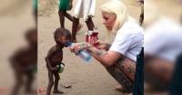 """El milagroso cambio físico del """"niño brujo"""" que estaba a punto de morir de hambre a un año de ser rescatado"""
