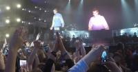 """Justin Bieber se niega a cantar """"Despacito"""" y un fanático lo ataca violentamente"""