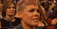 La verdad tras el extraño gesto de Pink durante la presentación de Christina Aguilera en los AMA's