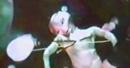 """El video de un supuesto alienígena encontrado en la prohibida """"Deep Web"""" está causando revuelo"""