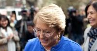 """""""Celebrando un día histórico"""": la foto de Michelle Bachelet junto al hijo de Sebastián Piñera"""