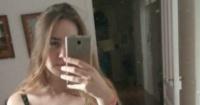 """Publicó una inocente selfie pero una extraña """"presencia"""" detrás de ella confundió a todos"""