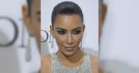 """""""¿Qué le pasó a su brazo?"""": Kim Kardashian publica osada foto y la acusan de exceso de Photoshop"""